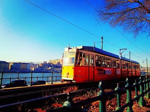 Τραμ στις όχθες του Δούναβη